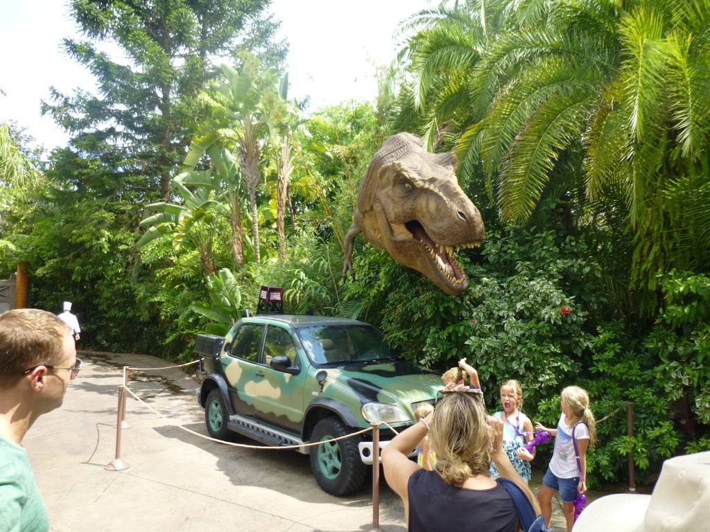 T-rex picture spot in its new location