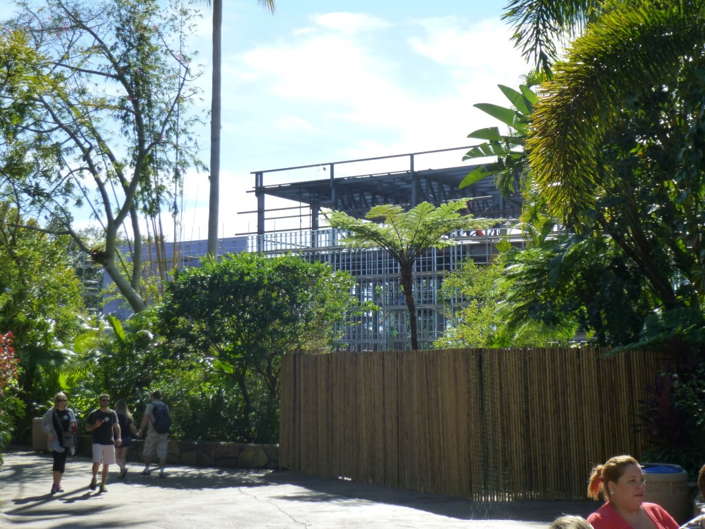 Approaching the construction walls on the Jurassic Park side