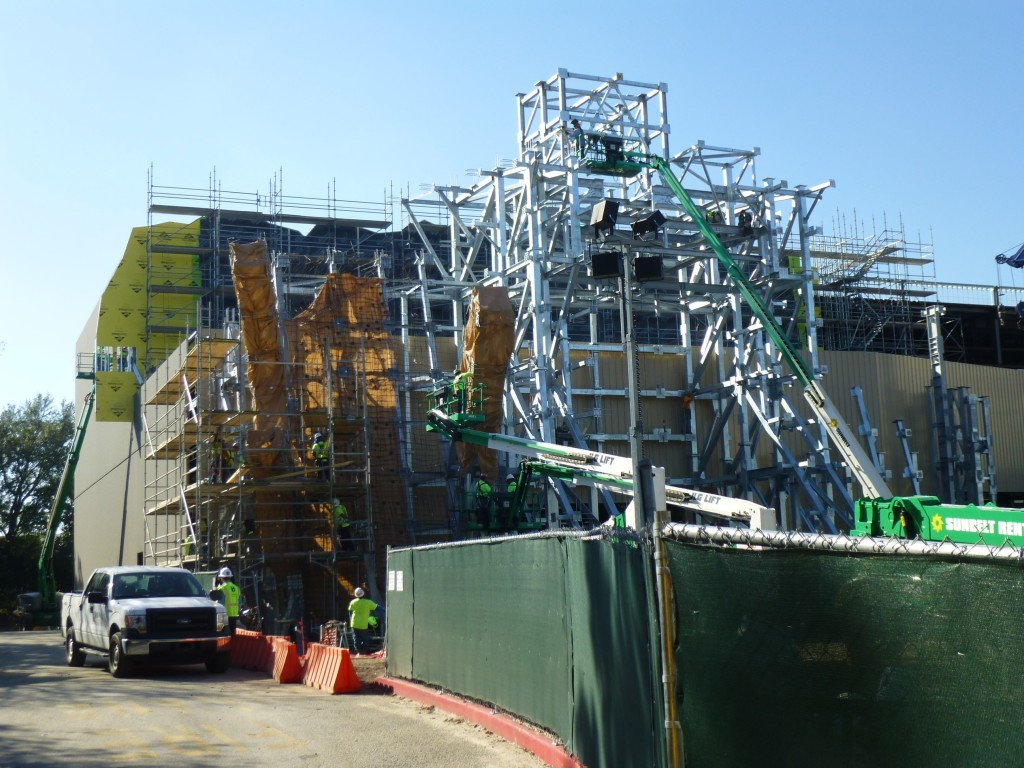 The construction zone as seen from Toon Lagoon side.
