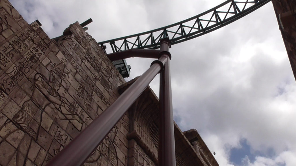 Track going over existing wall in front of Montu