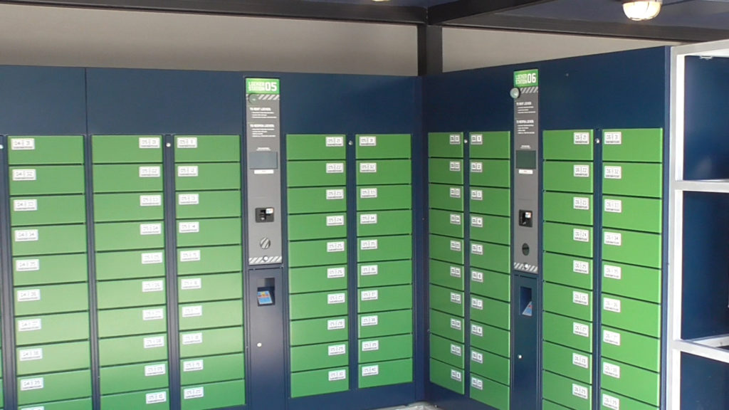 There are hundreds of small lockers