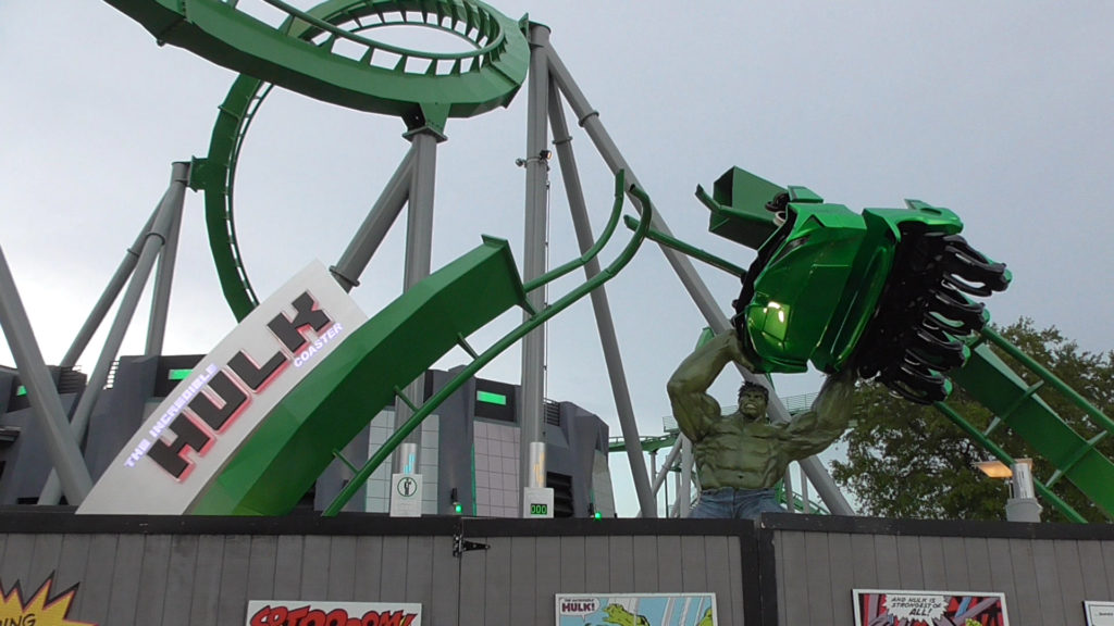 The Hulk sign alternates between green and red