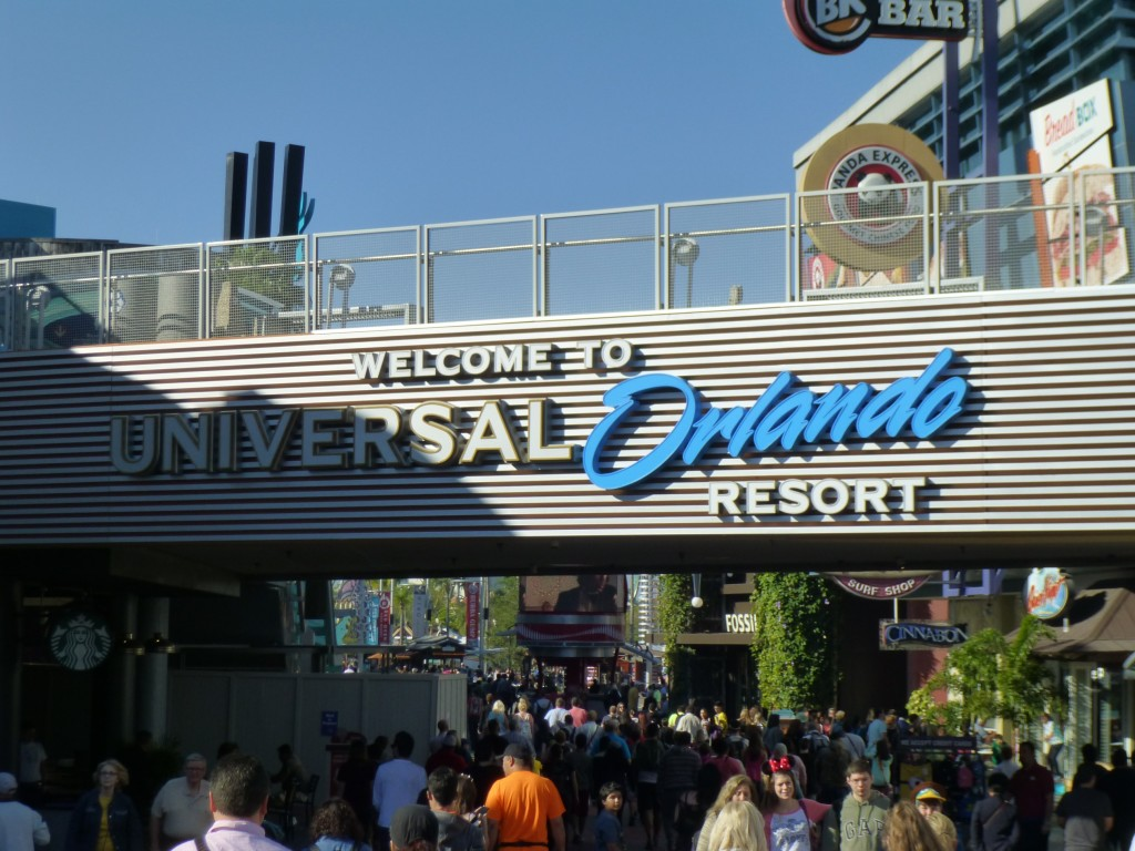 At City Walk, they replaced the Universal Orlando sign with a new version. The blue looks good, really pops.