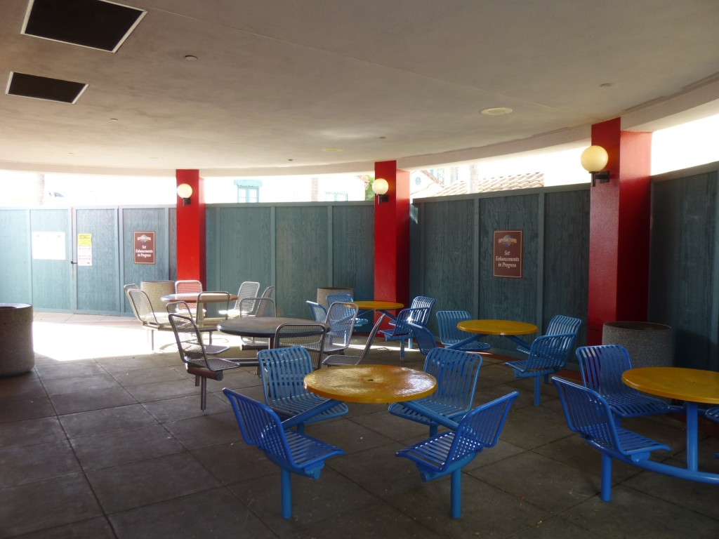 Pizza restaurant eating area