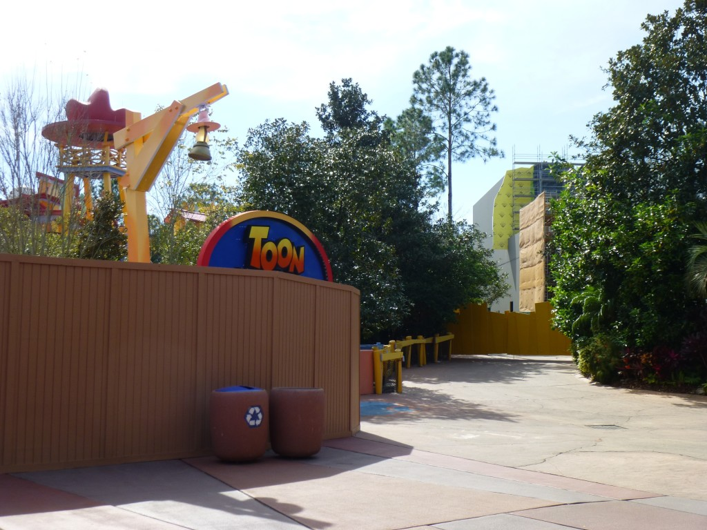 Seen from Toon Lagoon's footpath. Dudley Do-Right's is down for annual maintenance