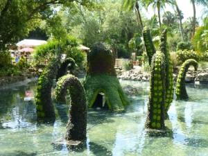 Impressive octopus topiary