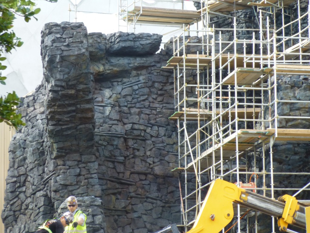 Beautiful rockwork paintjob, looking nearly complete over here.