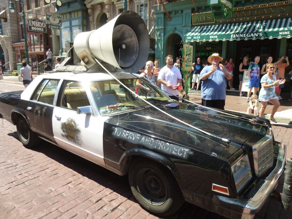A good look at their iconic police car