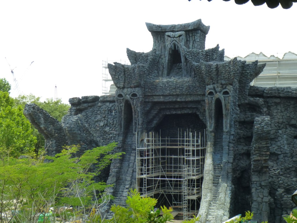 Work continues on the temple gate