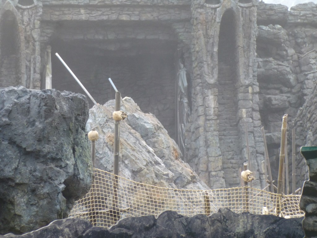 More and more skulls on spears being added around the ride path and outdoor queue