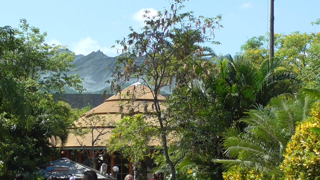 The mountain range fits in well behind the Jurassic Park skyline, matching the area's style nicely