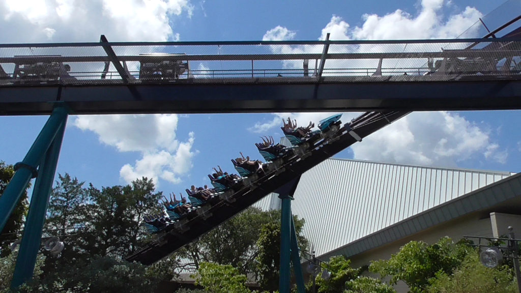 Yay, people riding Mako!