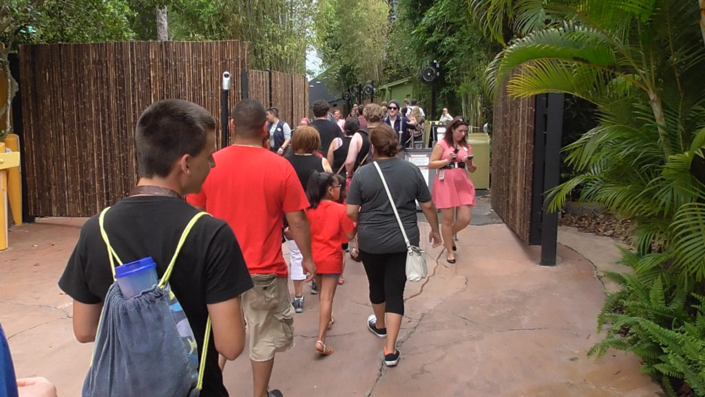 Around 4:45 they led the line around to the back entrance, straight to Kong's extended queue