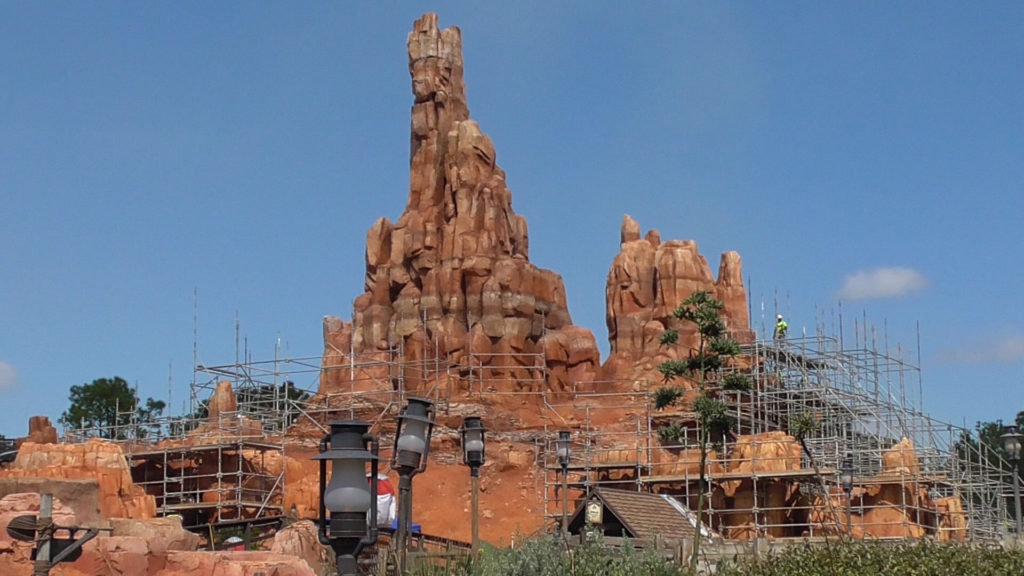 Work being done all around the ride